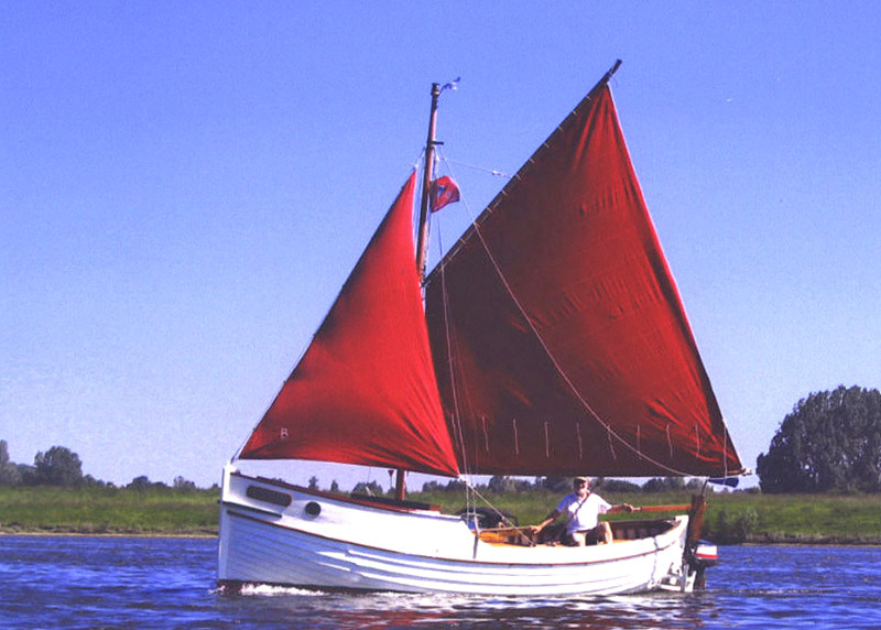 red sailskopie.jpg - 125.98 Kb